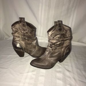 Bos & Co. women's booties size 39